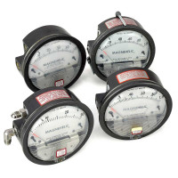 Dwyer Magnehelic Gauges, Inches of Water, Lot of 4 Gas, Liquid & Vacuum